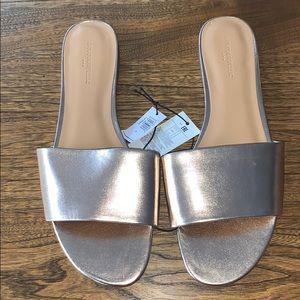 📌 NWT Banana Republic Rose Gold Slide Sandals